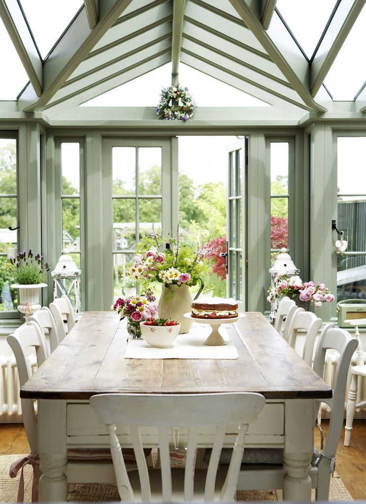 Conservatory in the greenhouse pinterest for Weisse esszimmer