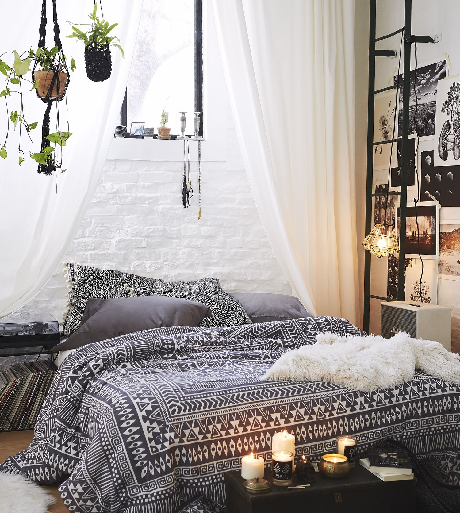 4 SIMPLE STEPS TO MAKE YOUR ROOM BOHO CHIC