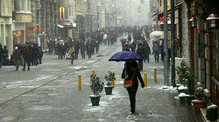 it's snowing (1) - Beyoglu, Istanbul