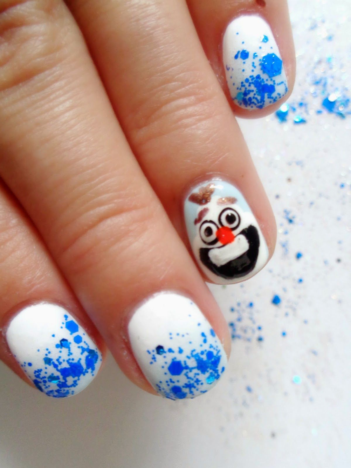 HeyHar disney\'s frozen olaf nail art perfect for the holiday season ...