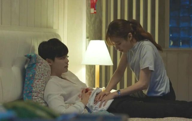 W Two Worlds Episode 10 When The Villains Take Over Your Webtoon Couch Kimchi W Two World Two World Korean Drama
