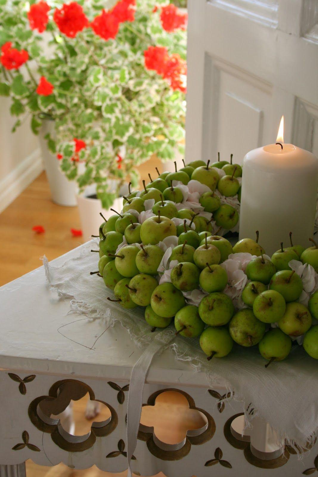 Hon som talar med blommor: Vinterkänsla inomhus | Table Topping ...