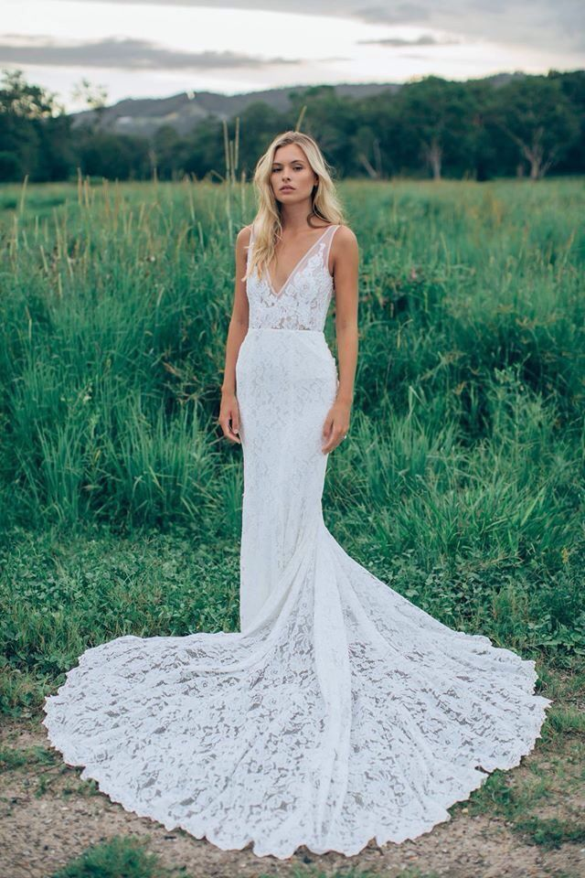 Erin in Berta gown was very similar, but much prettier. | The crazy ...