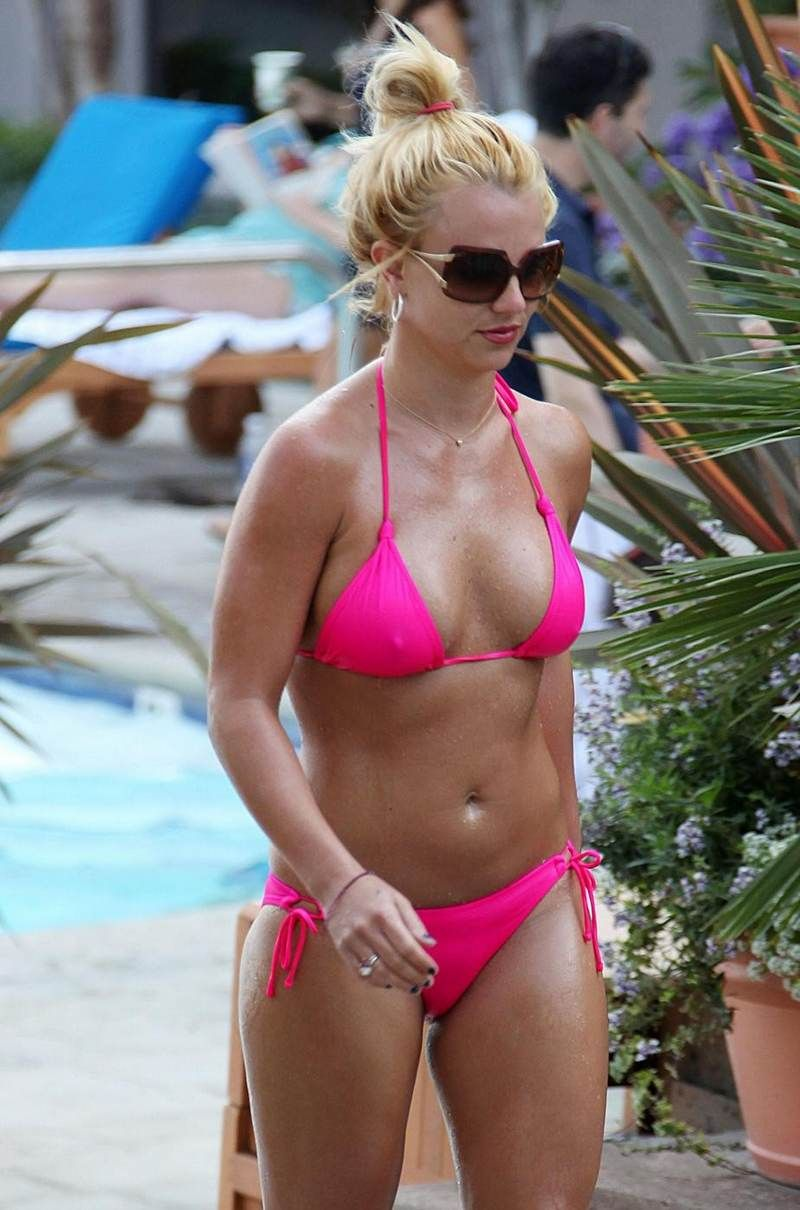 Britney spears bikini photos 2 nude (68 photos), Bikini Celebrity foto
