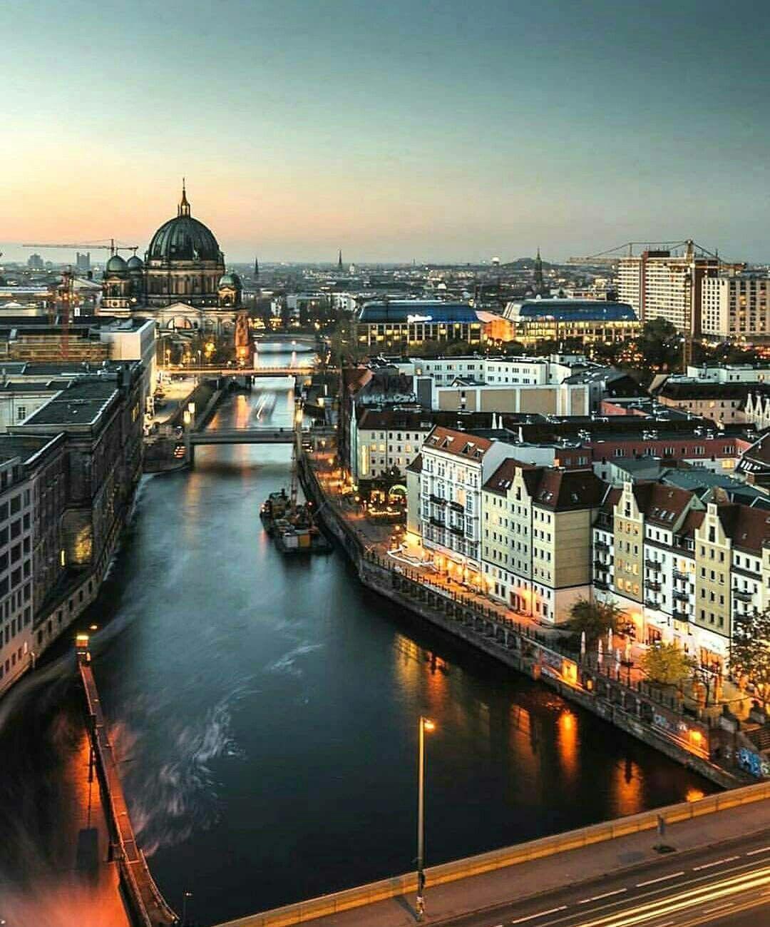 модульные картинки про немецкий город берлин сообщает