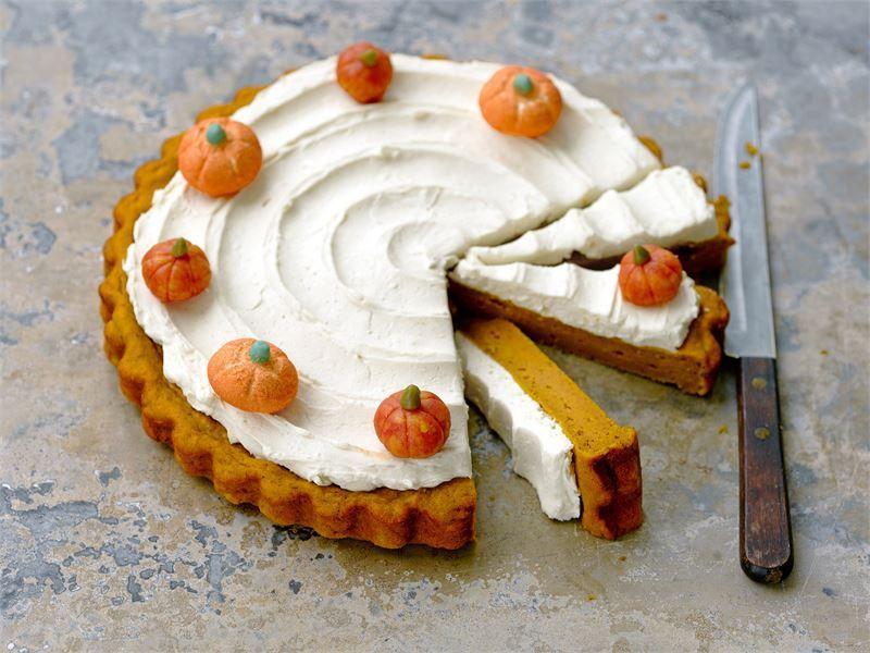 Pumpkin pie eli Kurpitsapiirakka. Keittiön tuoksujen perusteella voisi luulla että on jo joulu mutta maut ovat täysin sadonkorjuufiiliksistä