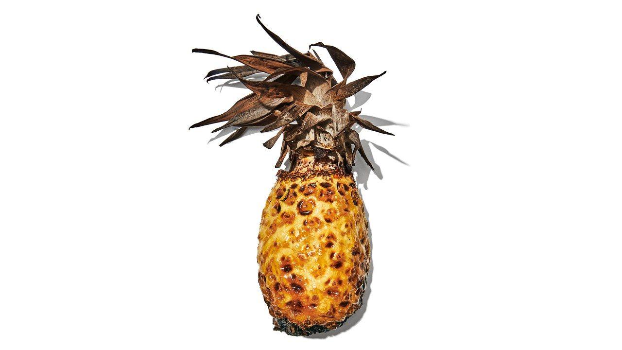 How francis mallmann caramelizes an entire pineapple on