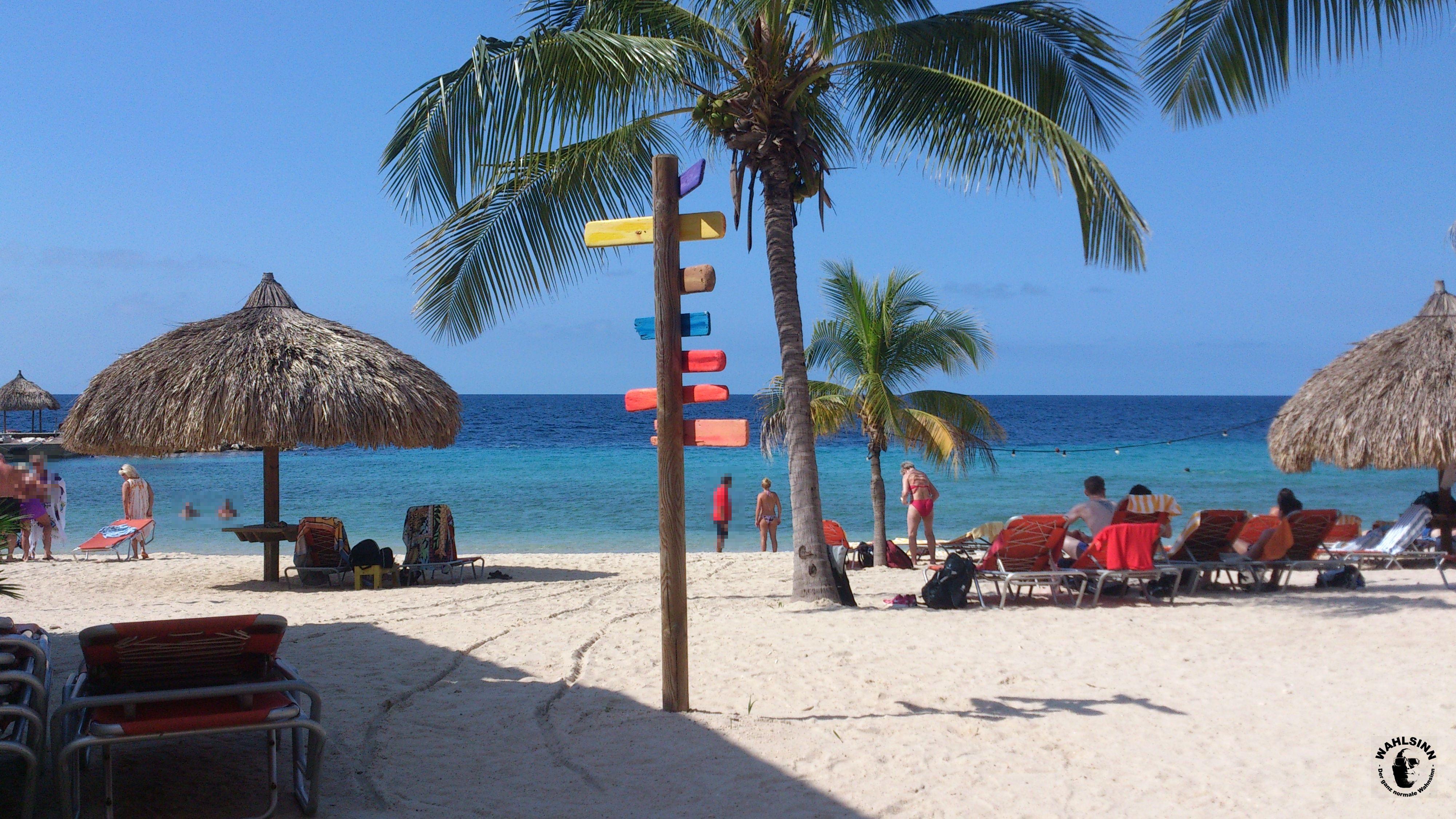 Curacao - Einer der bunten und herrlichen Strände auf der Kribischen Insel