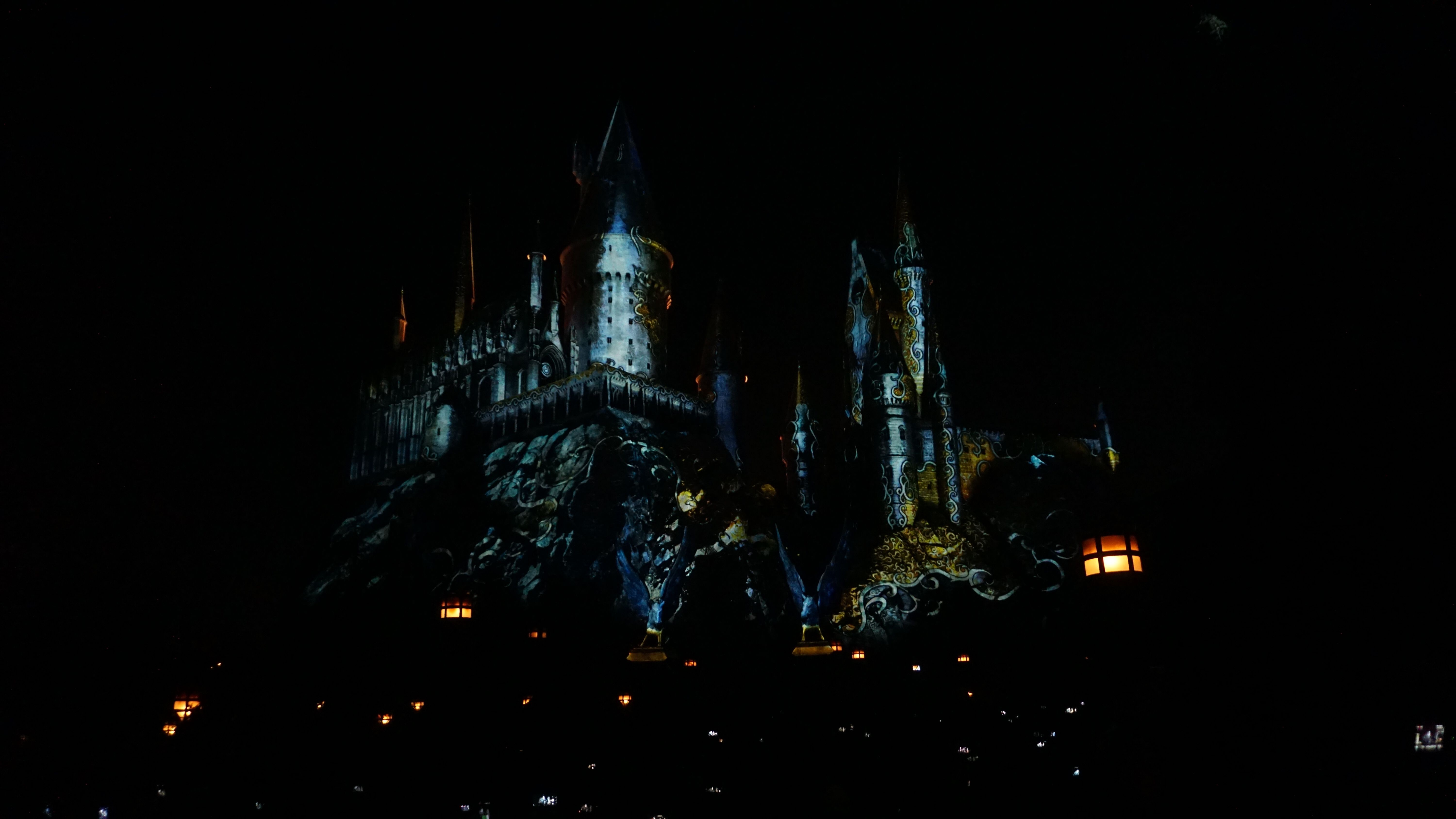 Watch The Dark Arts Castle Light Show At Universal