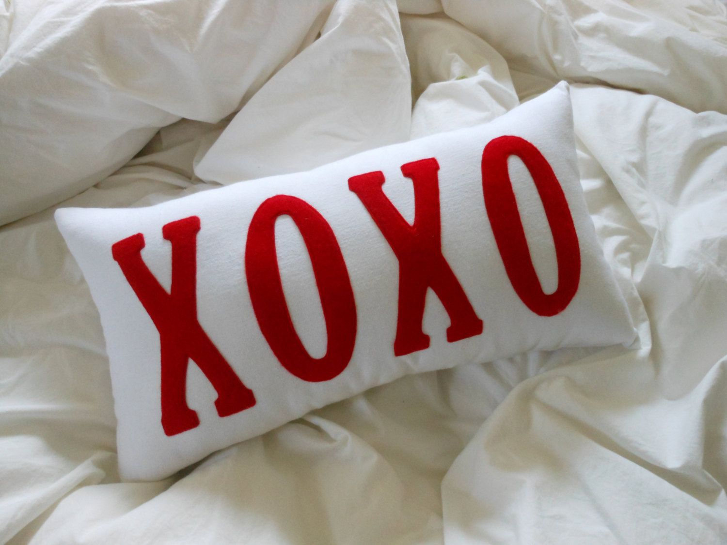 Xoxo valentine pillow red and white letter pillow sewing for