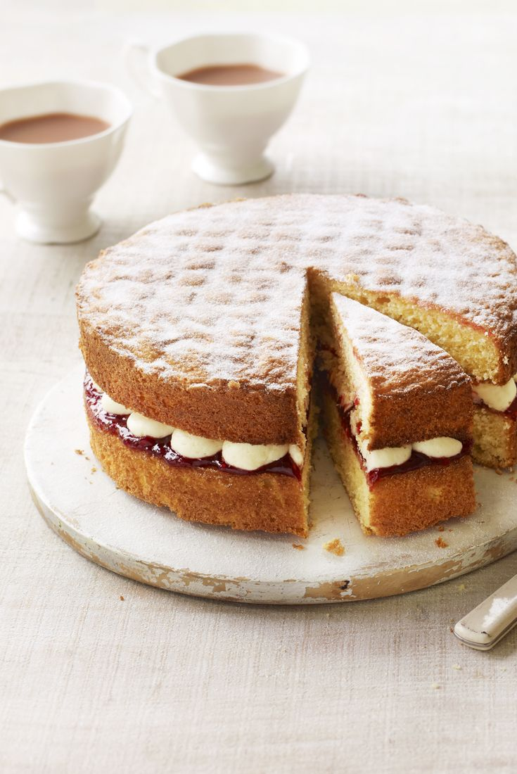 Mary Berry's Victoria sponge cake from Great British Bake Off. #tea_time #cakes