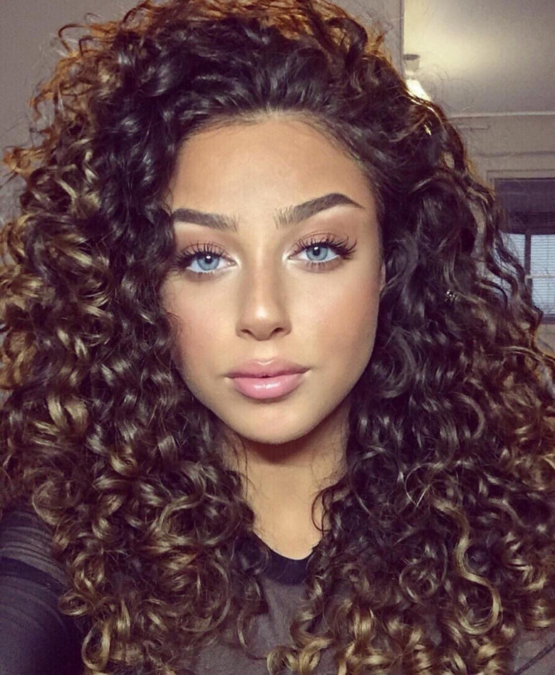 45 Charming Bride S Wedding Hairstyles For Naturally Curly: Curly Hair Styles, Curly Hair Inspiration