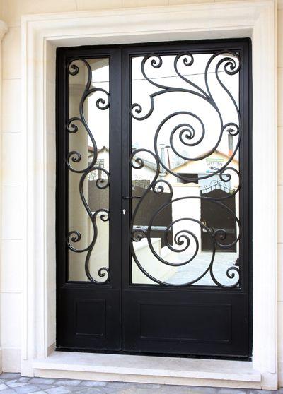 Portes d 39 entr e en fer forg portes d 39 entr e ferronnerie paris v randas pinterest fer for Porte entree fer forge villa