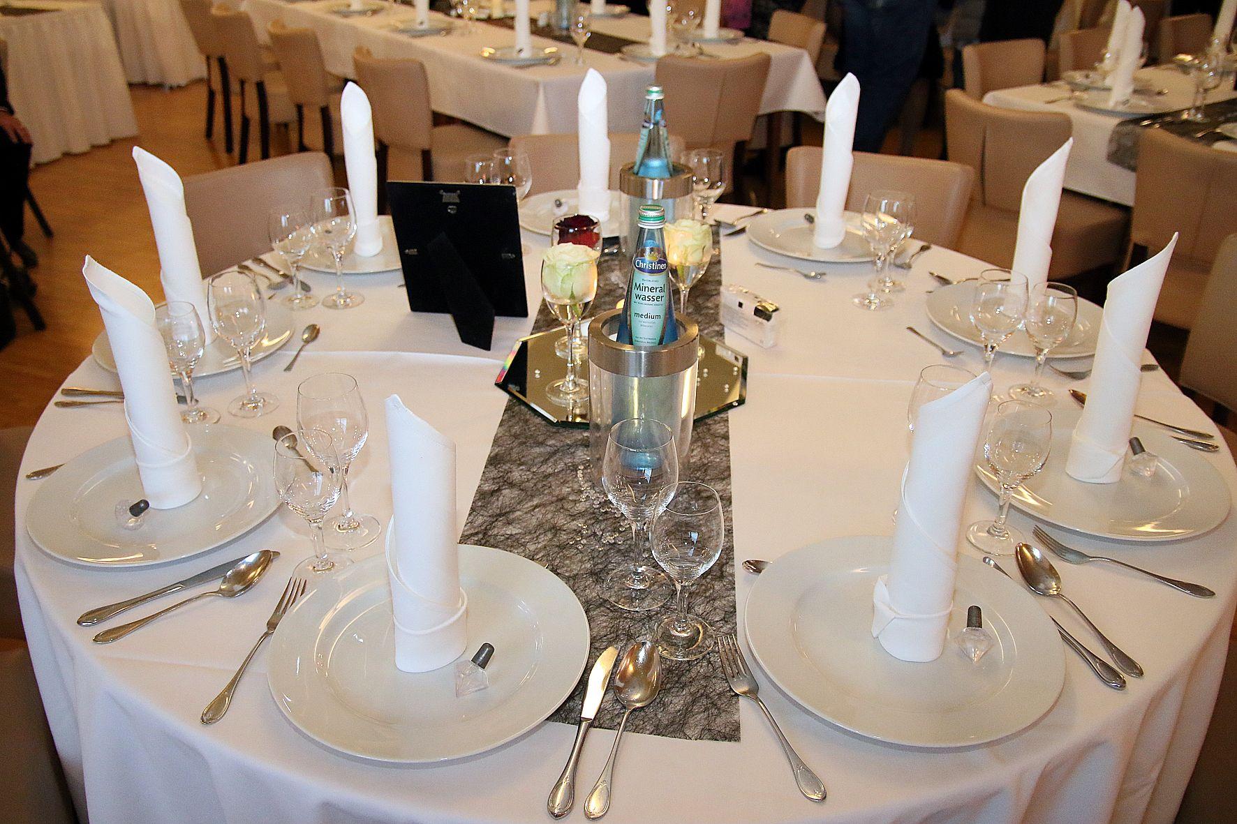 Eingedeckte Hochzeitstafel In Paderborn Dj Paderborn Pinterest