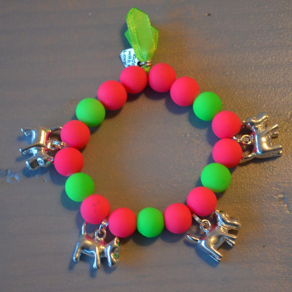 Armbandje neon roze/neon groen met hondjes | Welkom op Mirries.nl