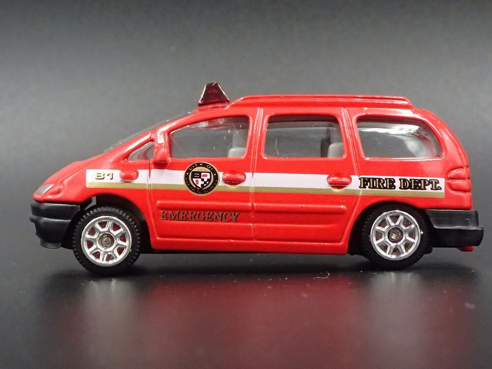 1996 Ford Galaxy Emergency Van Rare 1 64 Scale Limited Diorama