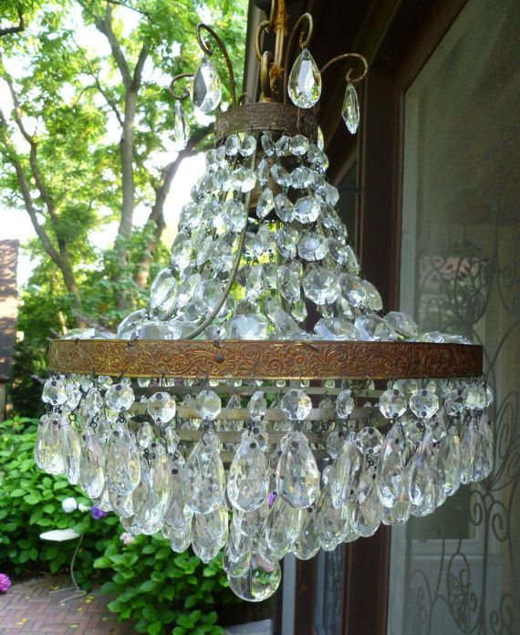 vintage chandelier - want this over my bed so bad I can taste it ...