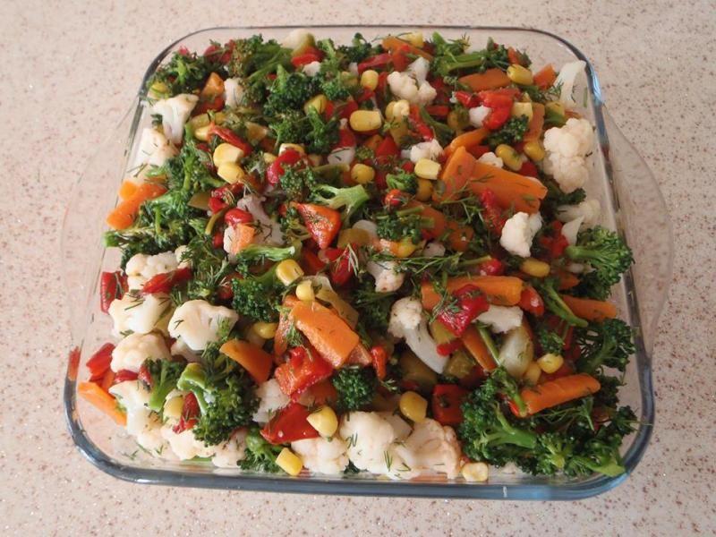 Karnıbaharlı brokoli salatası..