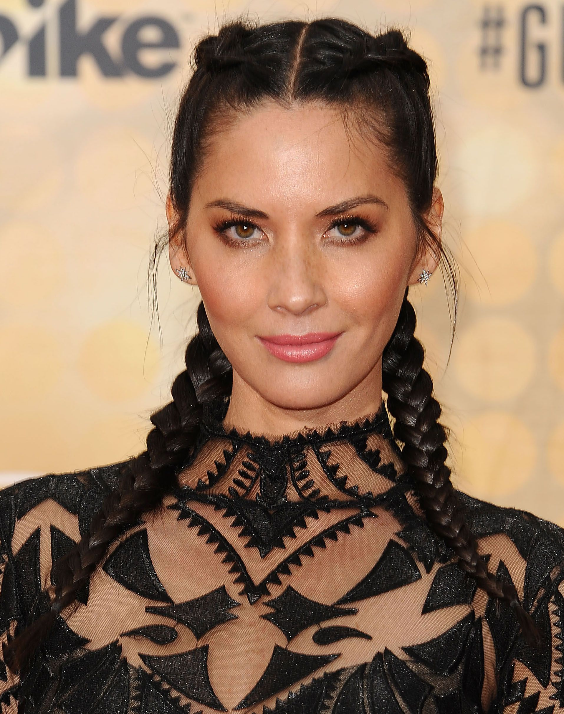 23 Different Ways To Wear Braids