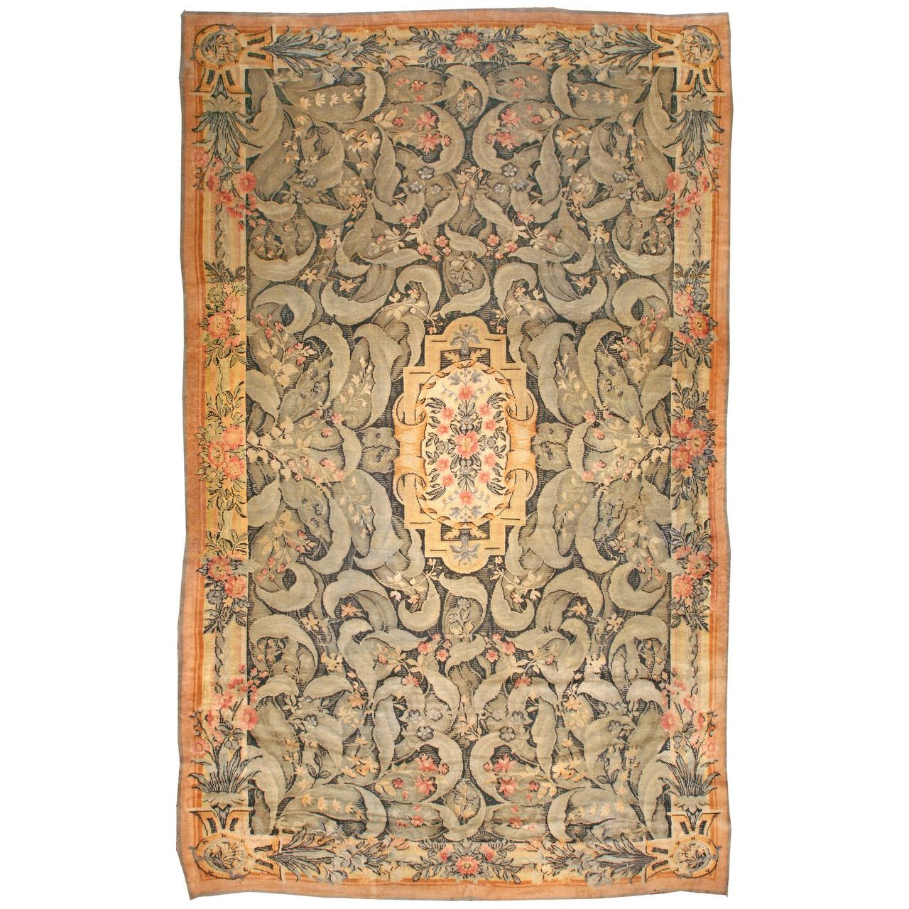 Antique Savonnerie Rug In 2020 Rugs Rugs On Carpet Antiques
