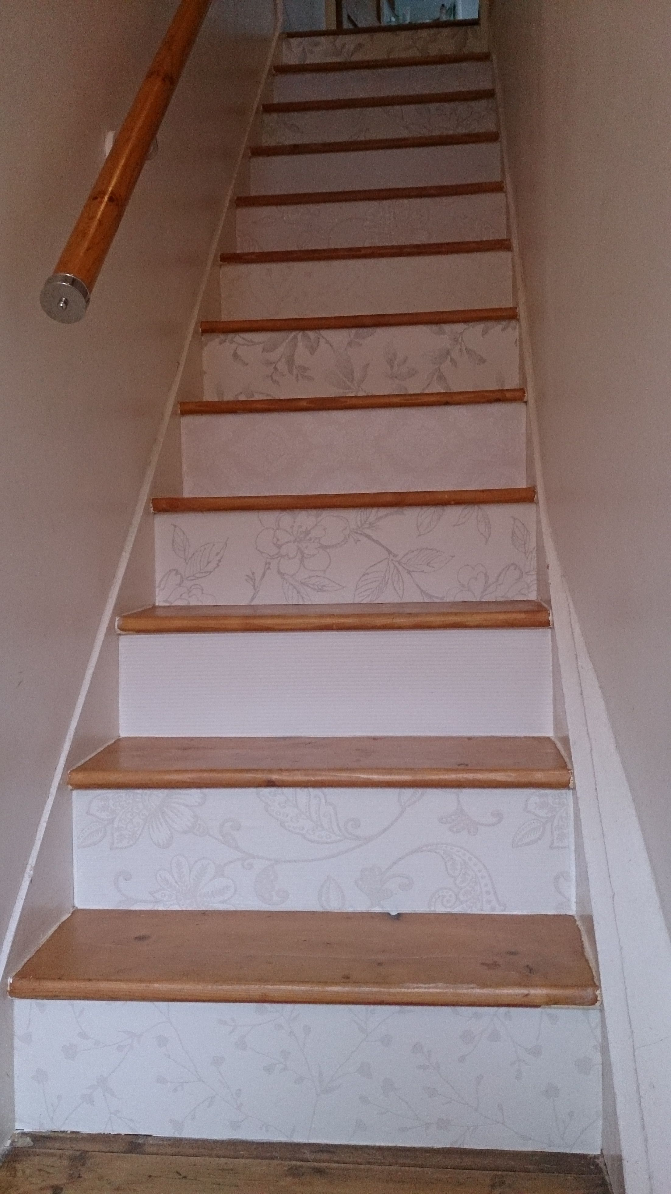 Wallpapered Stairs o) [use free wallpaper samples