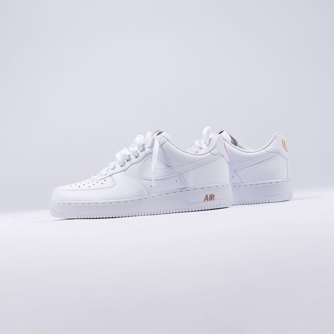 Shoe boots, Sneakers nike