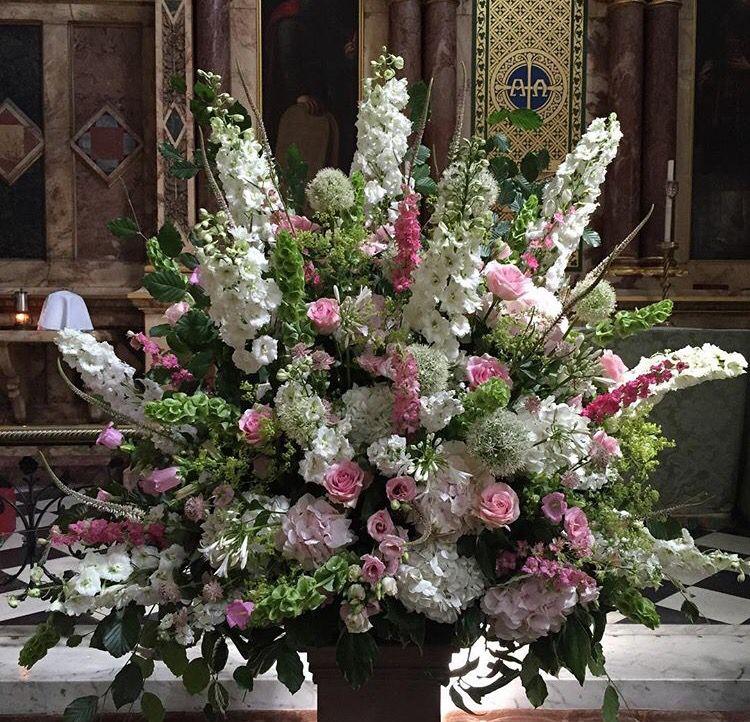 Flowers arrangement ceremony white flower arrangements