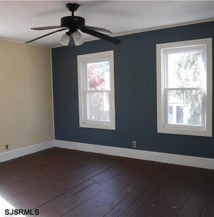 Apartments In New Jersey Zillow: 25 Hall St, Newport, NJ 08345