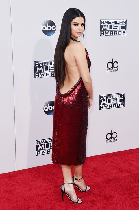 2ca48df7565 2015 American Music Awards  The Best Looks From Selena Gomez