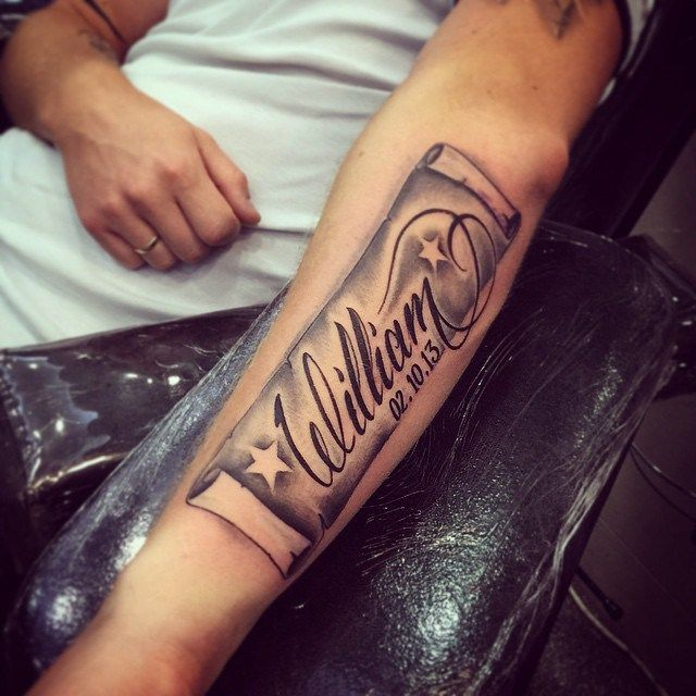 Ideas De Tatuajes De Nombre El Arte Del Tatuaje Sin Duda Tiene Un Amplio Catalogo De Estilos A La H Names Tattoos For Men Tattoos For Guys Name Tattoo Designs