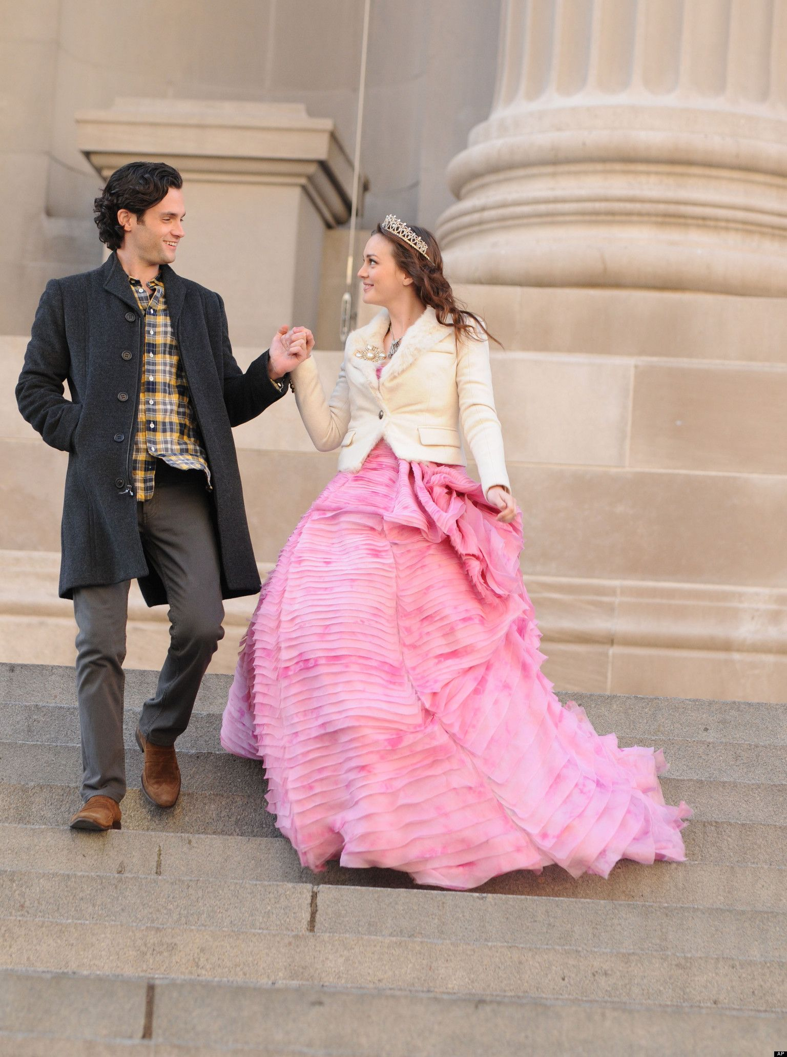 Dan treats Blair to a day in the life of a true Princess #Metsteps ...