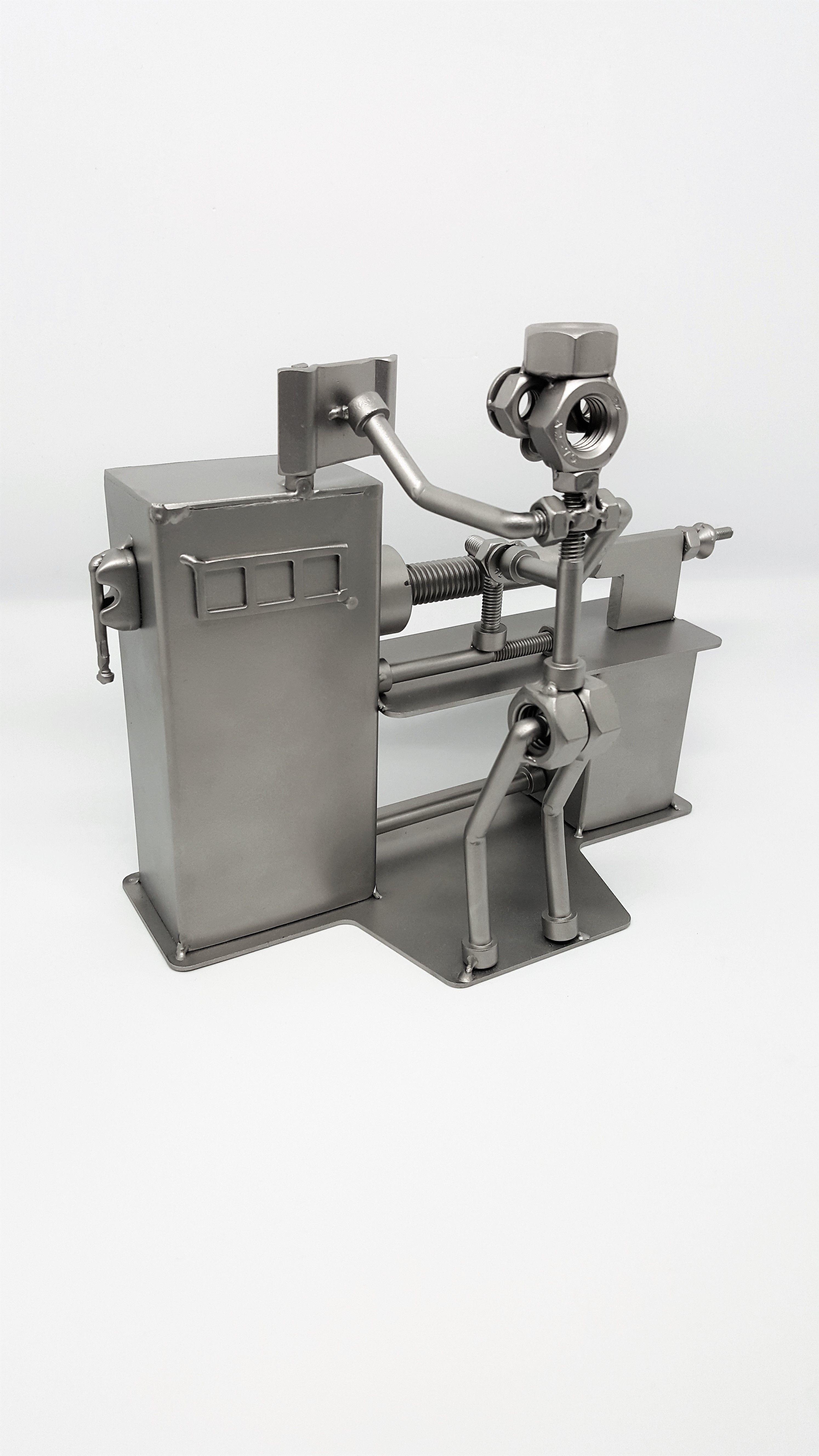 Pr ximo figuras y mu ecos realizados a mano con tornillos - Figuras de acero inoxidable ...