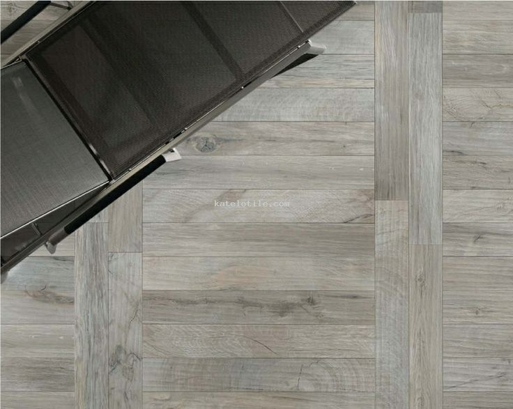 Color Of Wood Plank Tiles And Pattern To Use In Hallway