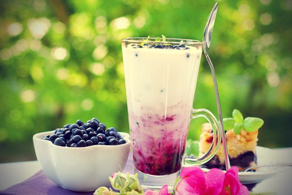 I absolutely love smoothies. I mean, what's not to love in fresh fruit mixed with milk or yoghurt. Smoothies are not only tasty, they are also very healthy. Find out about all the benefits they bring.