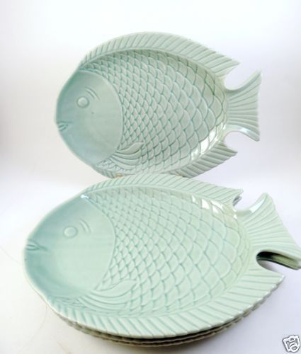4-Fish-Shaped-Plates-Celadon-Green-10-5-Dinner-Nautical-Seafood-Decor