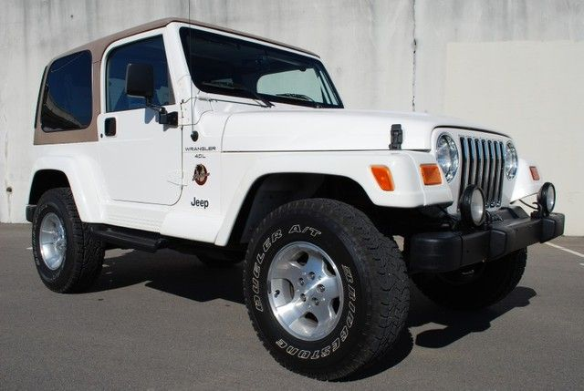 white jeep wrangler w tan hard top vroom pinterest white jeep wrangler white jeep and jeeps. Black Bedroom Furniture Sets. Home Design Ideas