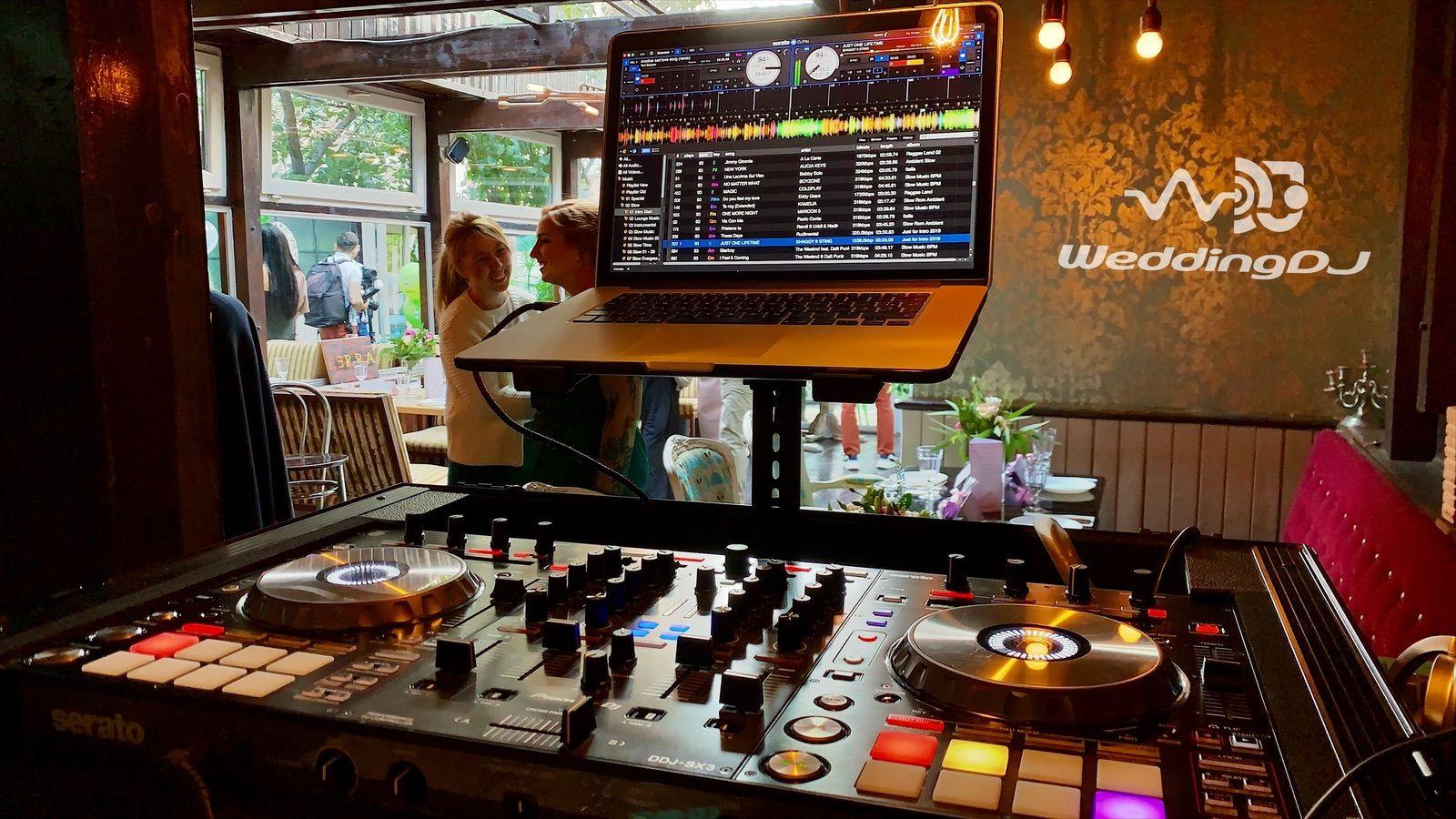 Booking : +40 721 469 837       office@weddingdj.ro #nunta #botez #trupa #formatie #corporate  #arhitectural #music #nunta2020 #nunta2020 #dj #djevenimentebucuresti   Sound | Lights | DeeJay |  www.weddingdj.ro   Fie ca ai nevoie de un Dj pentru Nunta, Botez, Aniversarea a 25 ani de casatorie, fie ca ai un Business si vrei o petrecere de deschidere Wedding DJ este alegerea unui eveniment de succes