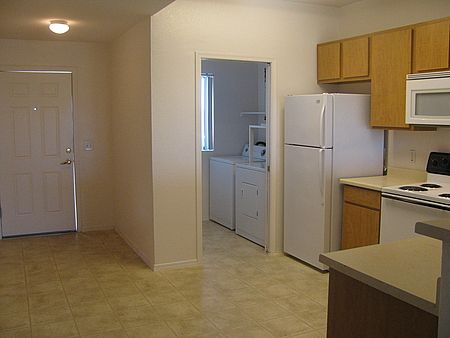 485 750 2b 1b Rancho Cielo Senior Housing In Phoenix Az After55 Com Has Pool Senior Apartments New Homes Rancho