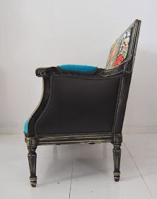 Pequeño sofá de estilo Luis XVI que hemos tapizado con ...