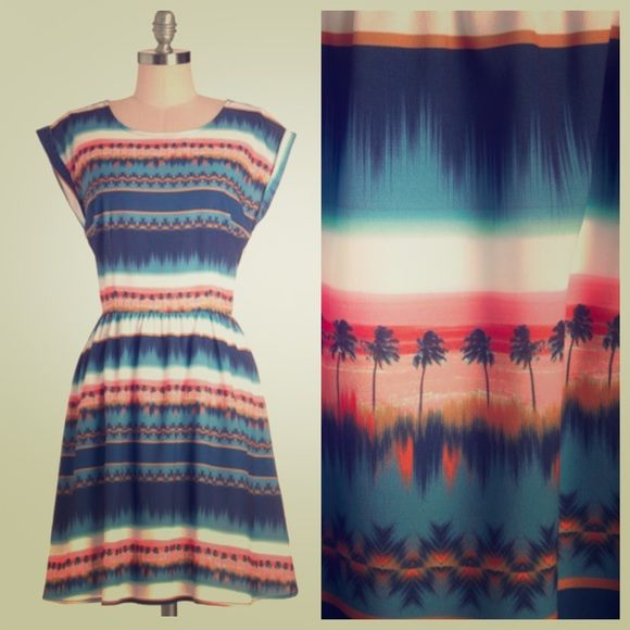 """NWT Sugarhill Boutique dress Gorgeous sunset in a tropical paradise dress by Sugarhill Boutique. New with tags and never worn. Size small. Length: 34.5"""". No PP or trades. Will consider offers. Sugarhill Boutique Dresses"""