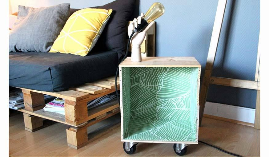 diy table d 39 appoint design faire soi m me tuto caisse de vin tutos r aliser. Black Bedroom Furniture Sets. Home Design Ideas