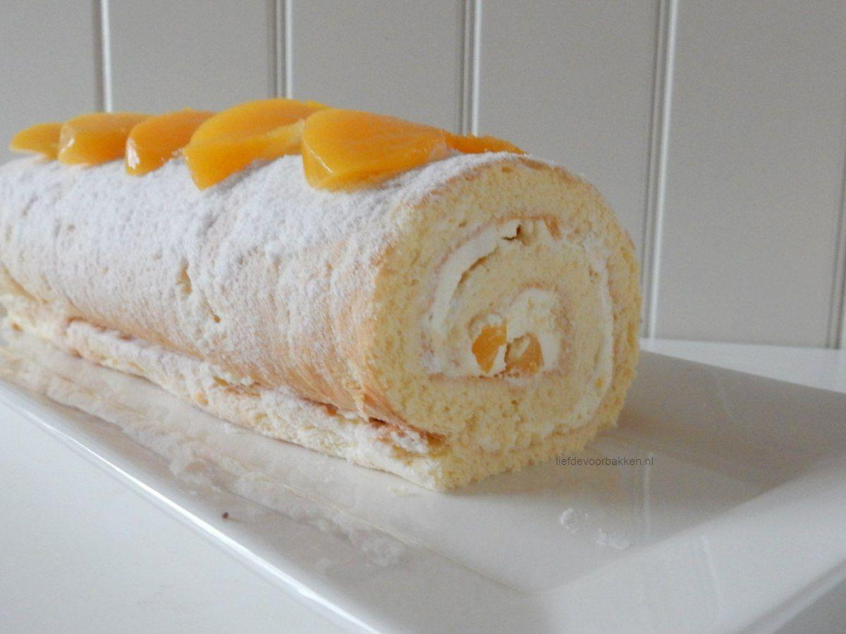Deze Swiss roll heb ik gemaakt toen we onze familie reunie hadden. Ik had toen 3 verschillende Swiss rolls gemaakt, maar deze was eigenlijk het lekkerste! Tijd dus om ook deze met jullie te delen! …