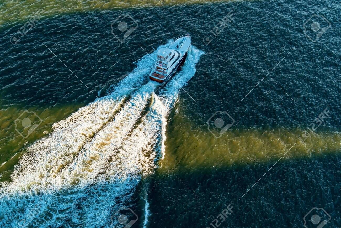 Boat makes its way down the East river in New York City , #AFFILIATE, #East, #Boat, #river, #City, #York