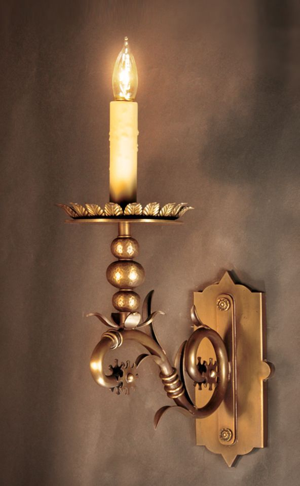 This gorgeous light fixture is from style-setter Lantern Masters in California. #luxeLA