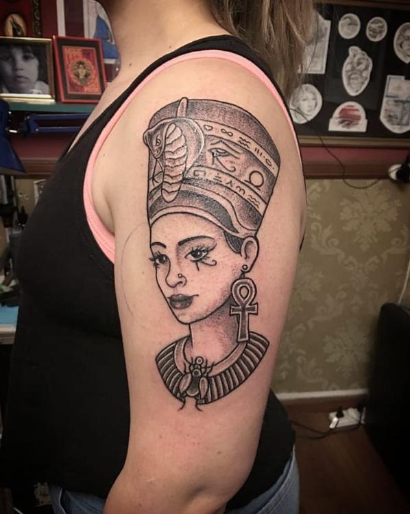 Rate This Cleopatra Tattoo 1 To 100 Cleopatra Tattoo Tattoos Farmer Tattoo