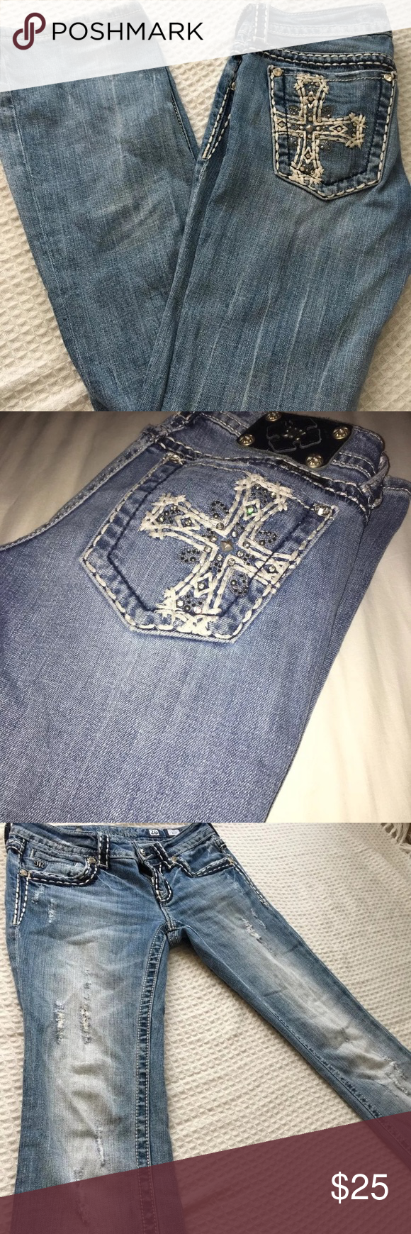 Miss me jeans with Cross embroidered size 26 Pre loved in excellent condition miss me jeans 💕💕 Miss Me Jeans Boot Cut