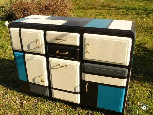 Buffet années 50 relooké Mondrian, dessus carrelé Ameublement