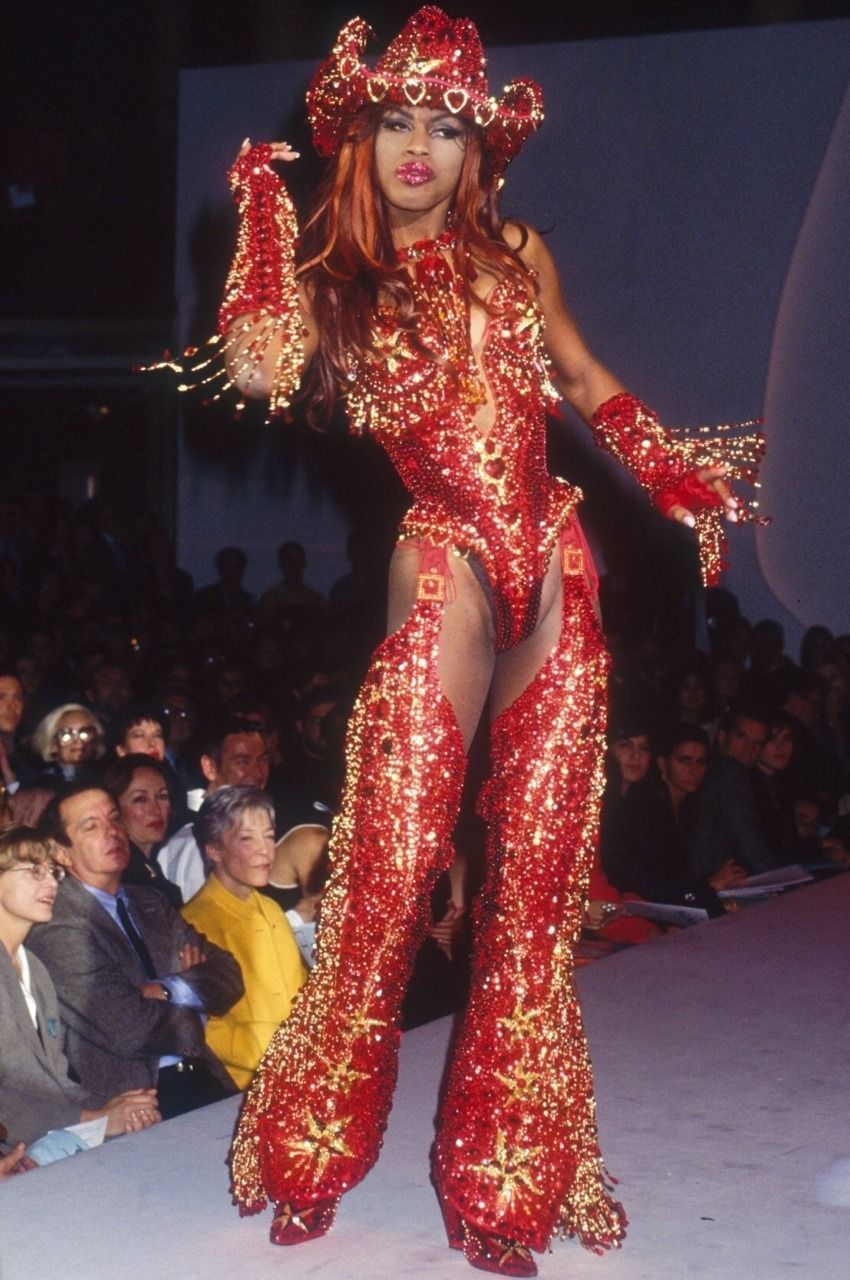 2402a4747eb Connie Fleming at Thierry Mugler Spring Summer 1992