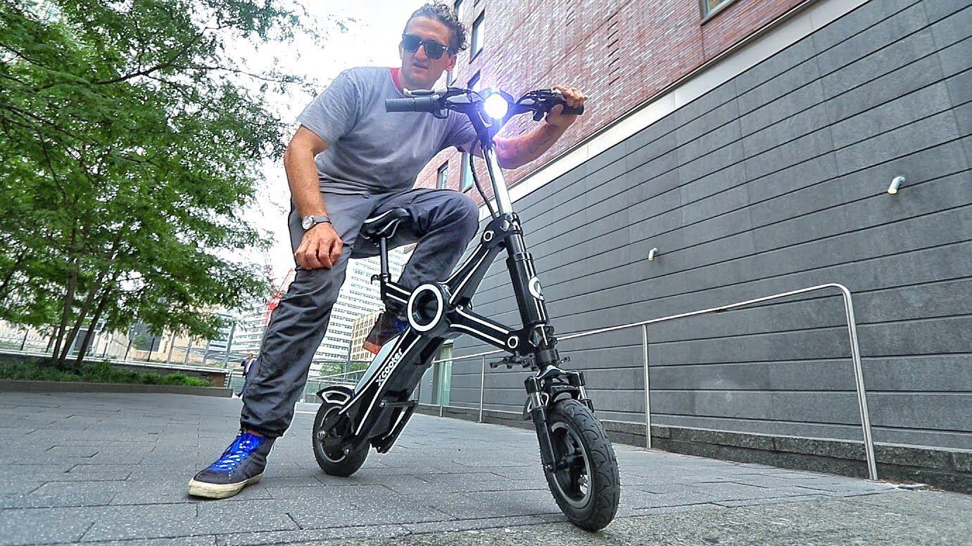 CASEY ET SES NOUVEAUX JOUETS! Electric motorcycle