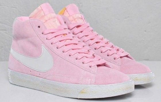 Pastel pink Nike hightops   Pink nikes